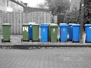 (c) CYM 2010 - Trash Bins